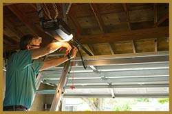 United Garage Door Repair Castalian Springs, TN 615-447-8021